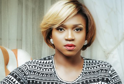 Waje Launches #AfricanWoman Campaign With Scholarships For Five Young Nigerian Girls