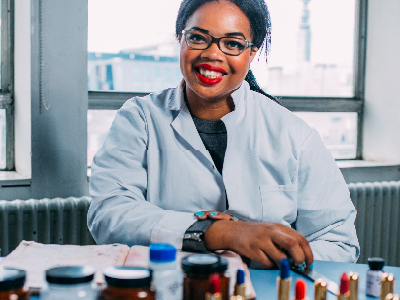 Florence Adepoju : The Story Of An A-level Student Who Launched A Cosmetics Range From Her Parents' Shed