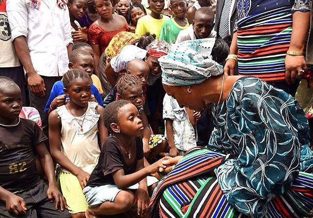 Dolapo Osinbajo visits IDP camp in Makurdi for the displaced Agatu people of Benue State.