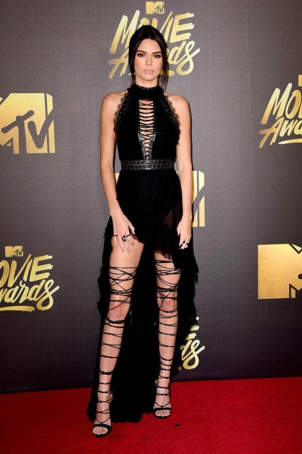Kendall Jener, Rebel WIlson, Charlize Theron, Gigi Hadid & More at the  2016 MTV Movie Awards.