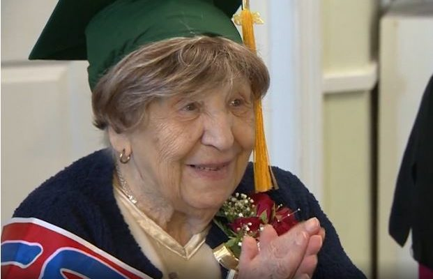 100-year-old woman graduates from High School 80 years after enrolling