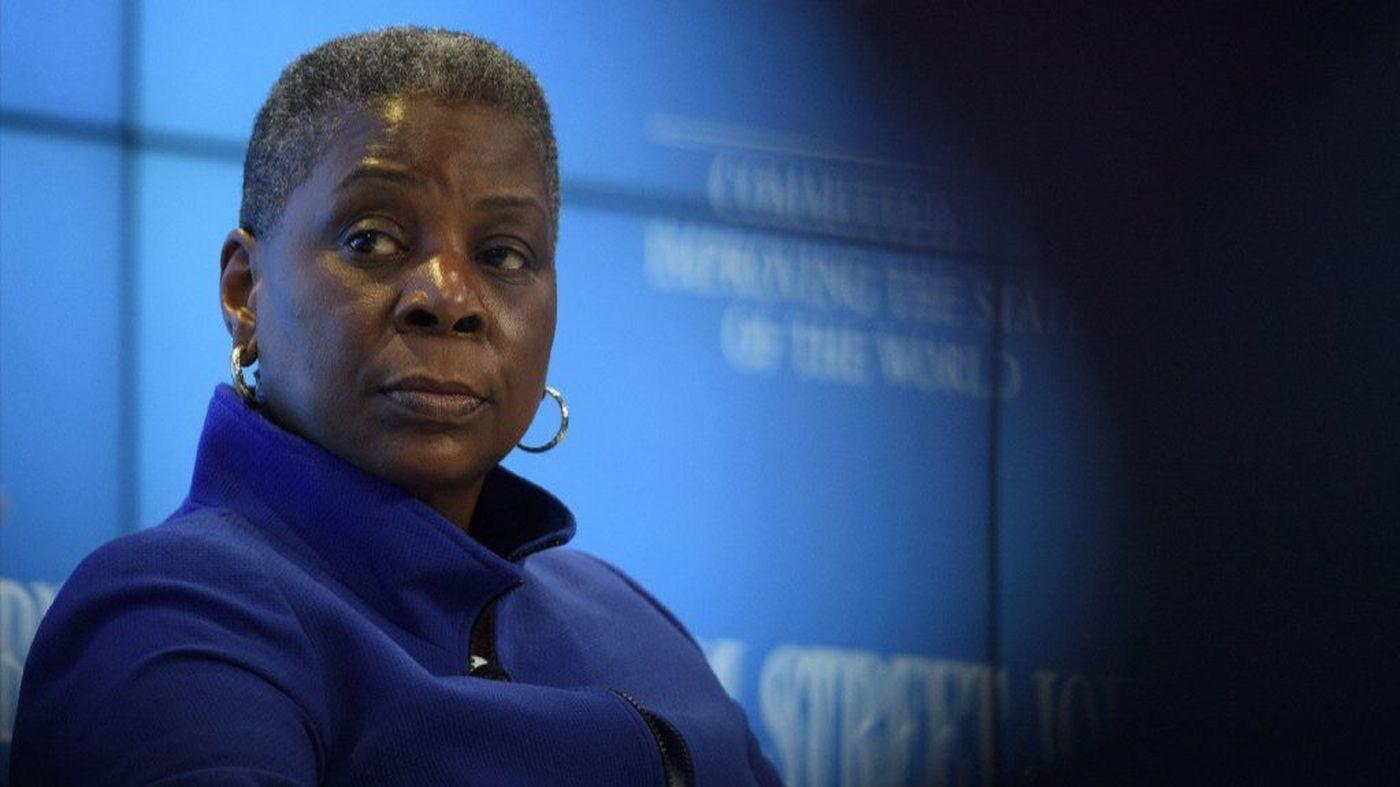 Even among Harvard MBAs, few black women ever reach corporate America's top rungs